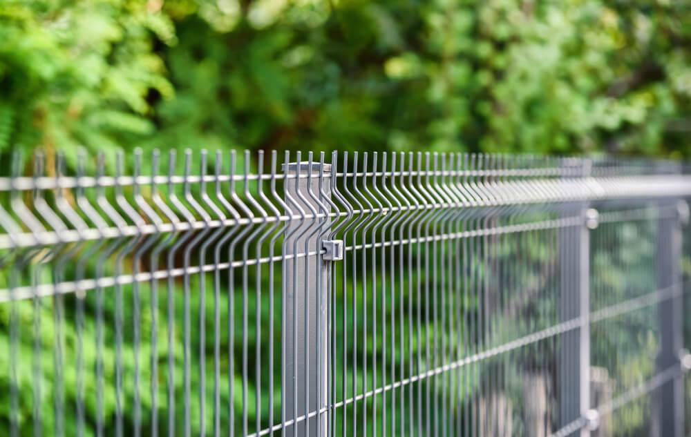 Na jakie parametry zwrócić uwagę przy wyborze ogrodzenia panelowego?