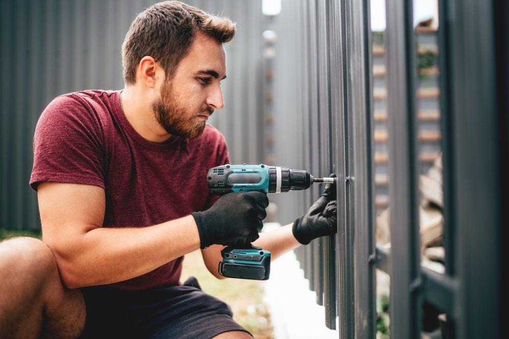 Jak odnowić ogrodzenie? – poradnik krok po kroku